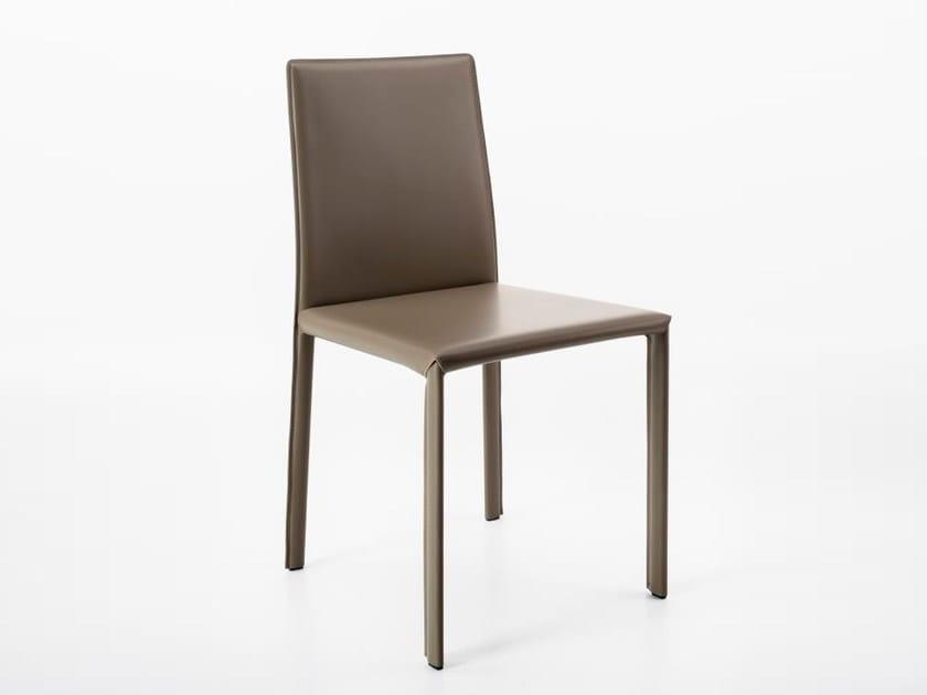 Sedia in cuoio rigenerato per sale d\'attesa AIDA By Diemme