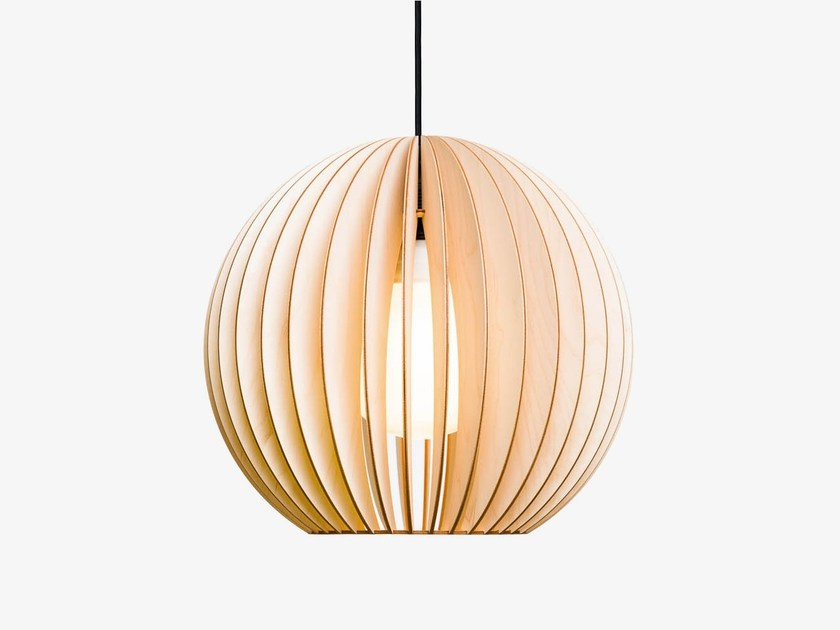 Plywood pendant lamp AION by IUMI