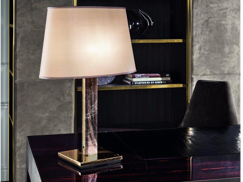 Lampada da tavolo a luce indiretta AKILELE   Lampada da tavolo by Longhi