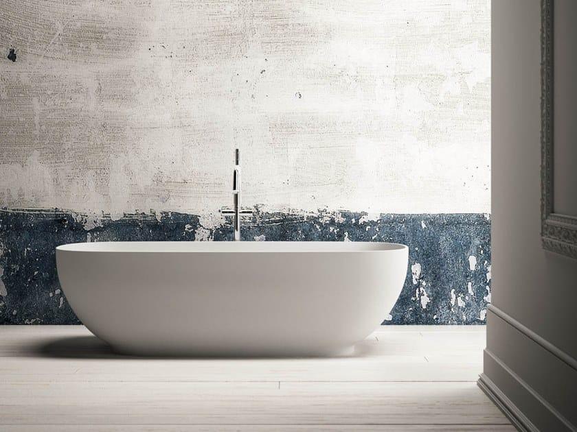 Vasca da bagno centro stanza ovale in Ksolid ALEXIA by Karol