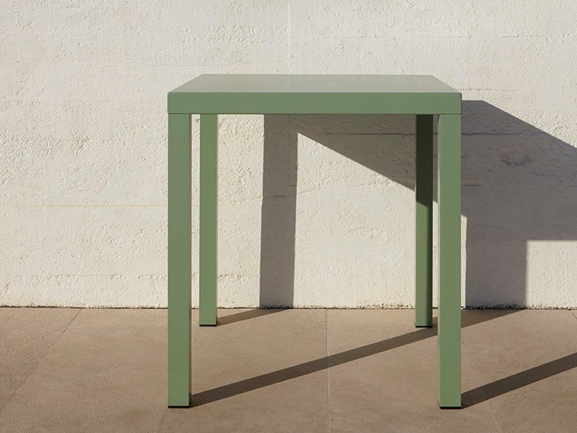 Table de jardin carrée en aluminium ALU By Adico design ...