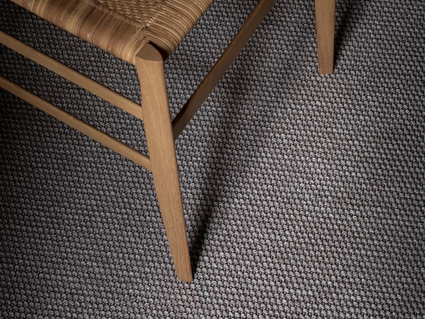 Solid-color carpeting AMY by Besana Moquette