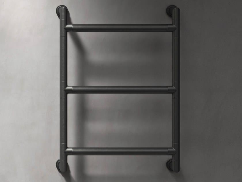 Scaldasalviette elettrico verticale a parete ANCILLARIES | Scaldasalviette in metallo by The Watermark Collection