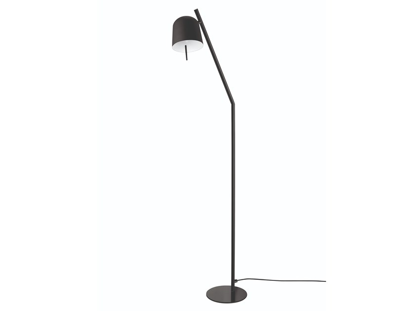 Lampada ad arco a luce diretta in ottone HÔ | Lampada ad arco by Specimen Editions