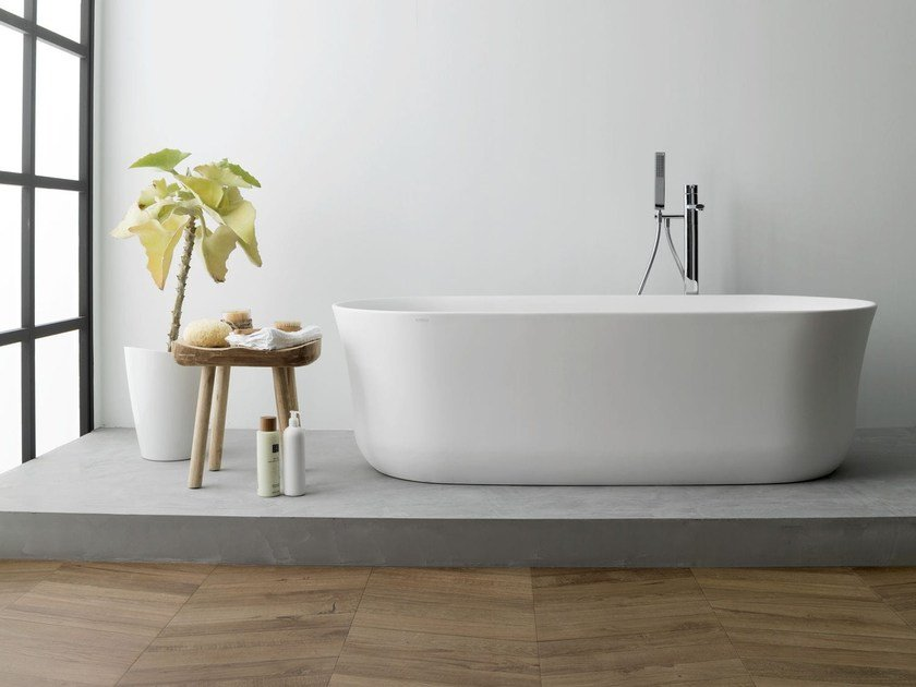 Freestanding oval Krion® bathtub ARC by Systempool