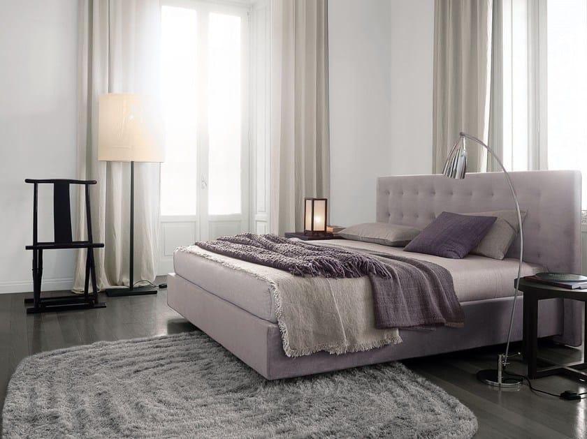 doppelbett aus stoff mit kapitoniertem kopfteil arca bett aus stoff by poliform design paolo piva. Black Bedroom Furniture Sets. Home Design Ideas