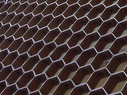 Hexagonal shaped metal grille ARCHI-NET® by Costacurta