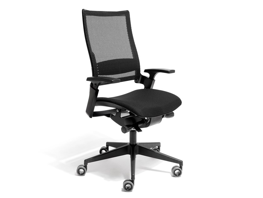 Mesh task chair with 5-Spoke base with armrests ARKANSAS by AP Factor