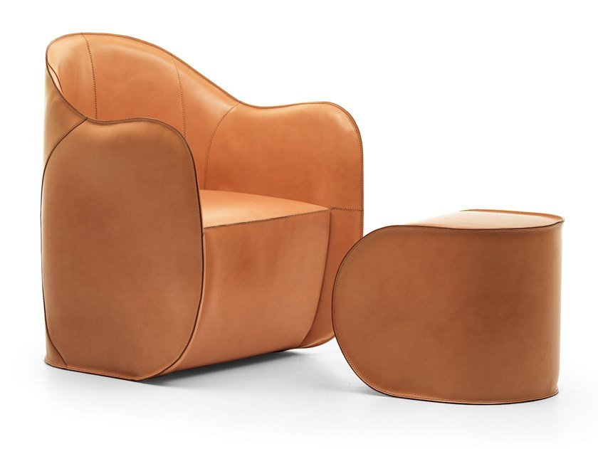 Tanned leather armchair with armrests EXO | Armchair by EPÒNIMO