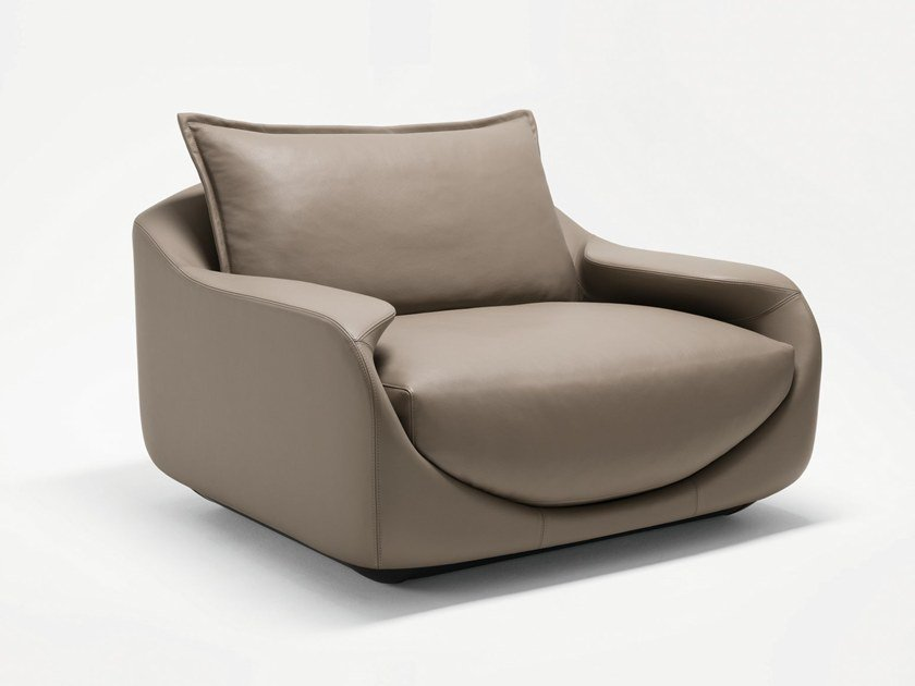 Leather armchair with armrests MARTINI | Armchair by GIORGETTI
