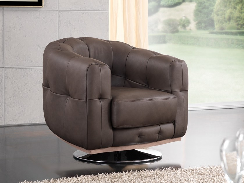 Tufted leather armchair with armrests MUSA   Armchair by Gold Confort