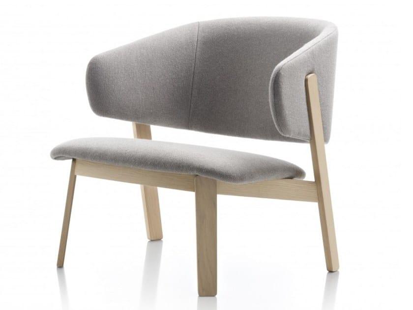 Oak armchair with armrests WOLFGANG | Armchair by Huppé