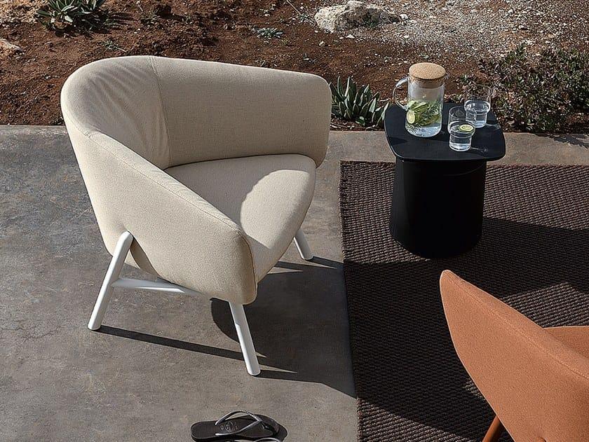 Sunbrella® garden armchair with armrests TUILE | Armchair by Kristalia