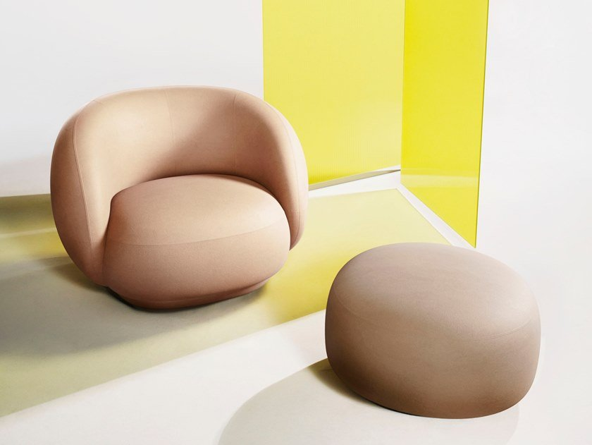 Fabric armchair with armrests JULEP | Armchair by Tacchini