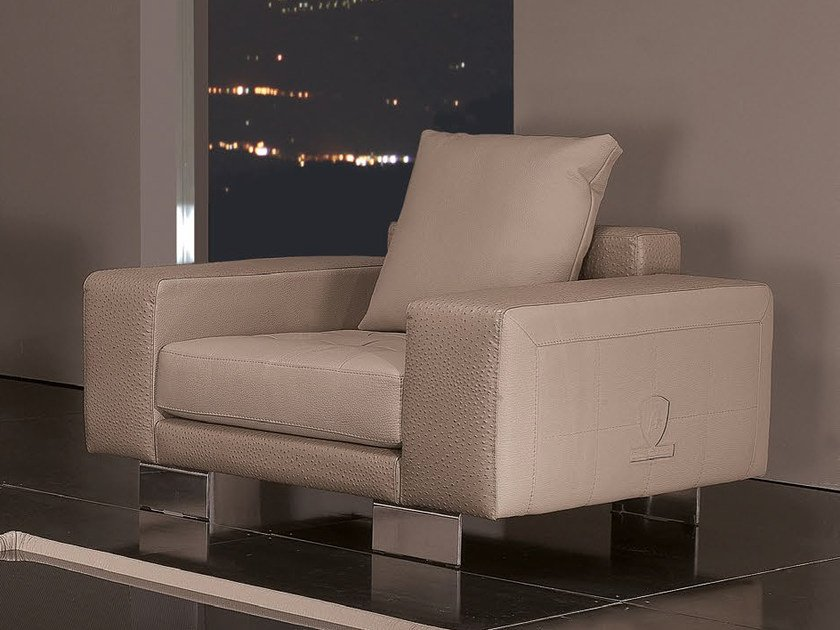 Upholstered leather armchair with armrests SPEED | Armchair by Tonino Lamborghini Casa