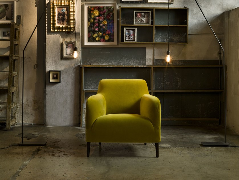 Fabric armchair with removable cover DIVANITAS | Armchair by Verzelloni