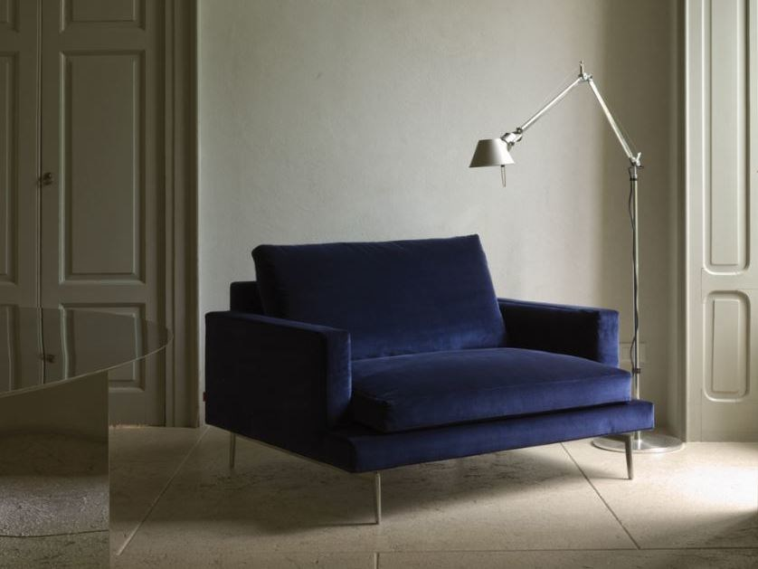 Fabric armchair with removable cover with armrests LARSEN | Armchair by Verzelloni