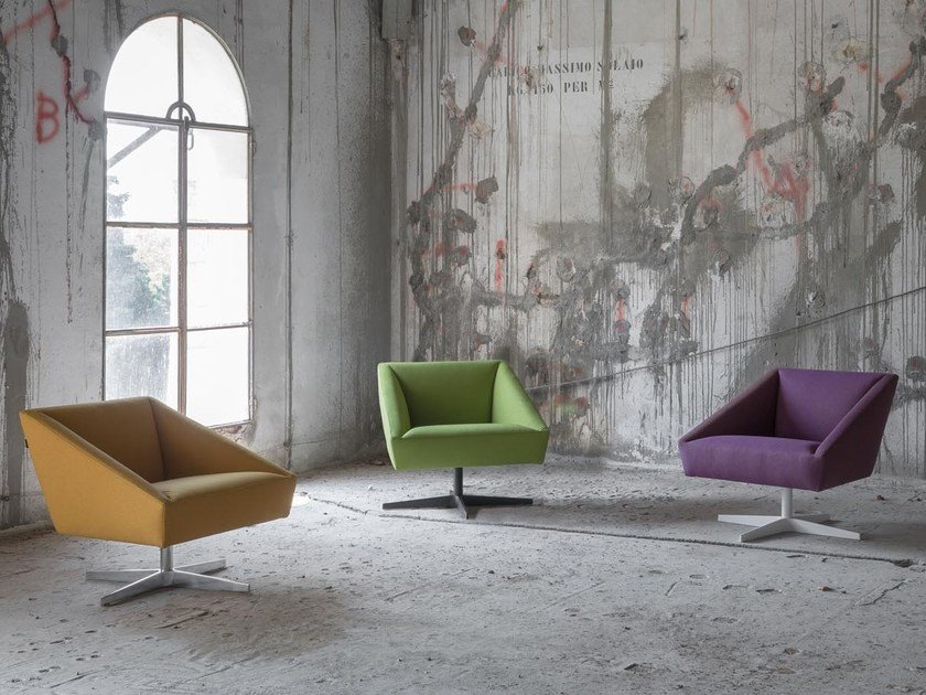 Fabric armchair with 4-spoke base AMARCORD | Armchair with 4-spoke base by Luxy