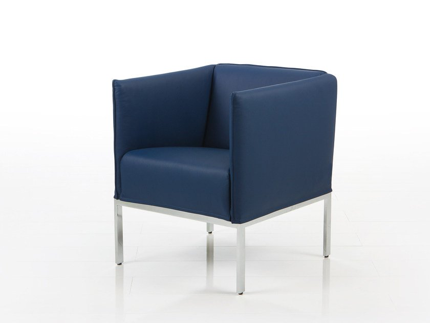 Leather armchair with armrests RANDOLPH | Armchair with armrests by brühl