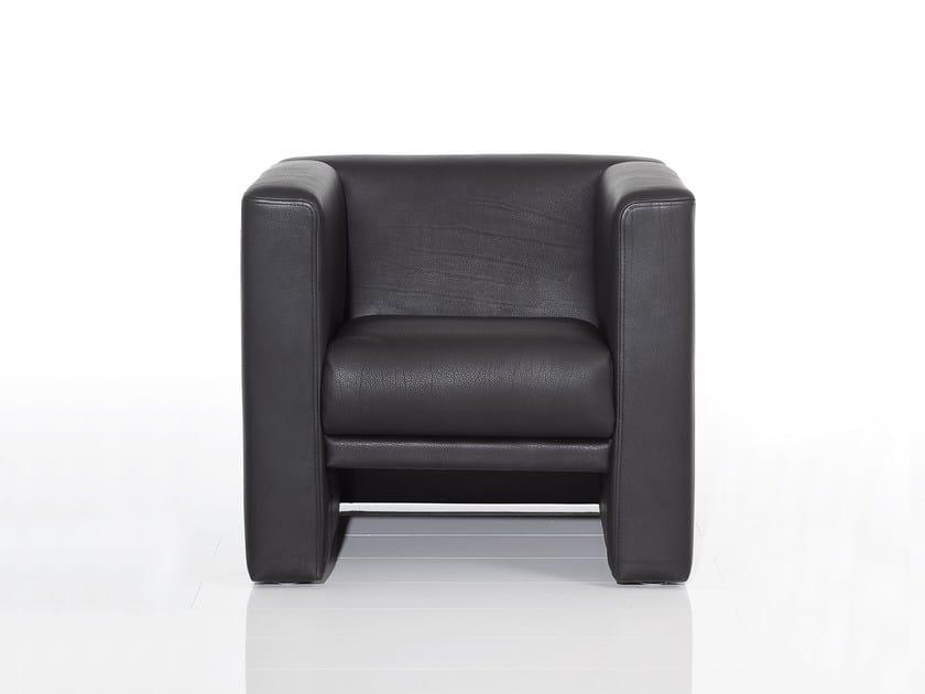 Leather armchair with armrests VISAVIS | Armchair with armrests by brühl