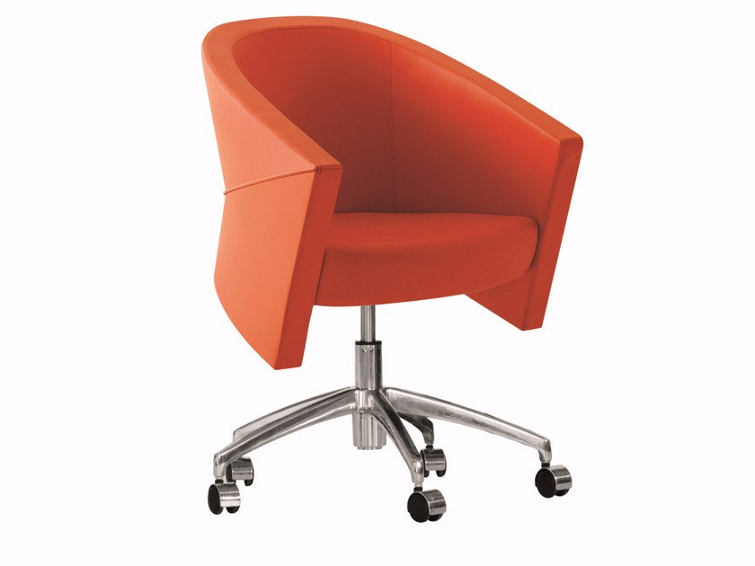 Swivel easy chair with 5-spoke base with casters ARROW | Easy chair with 5-spoke base by Luxy