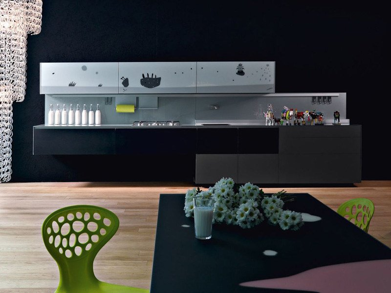 Decorated glass fitted kitchen ARTEMATICA VITRUM ARTE - MUCCA B&N by VALCUCINE