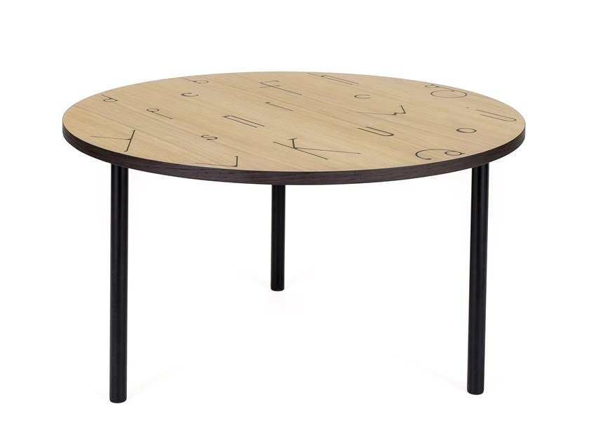 Round wood veneer coffee table ARTY 70 LETTER by Woodman