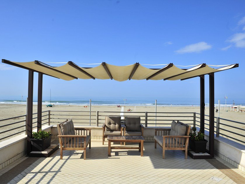 Freestanding pergola with sliding cover AU by Adami Teloni