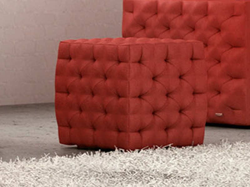 Fabric footstool CHESTERFIELD | Footstool by moovia