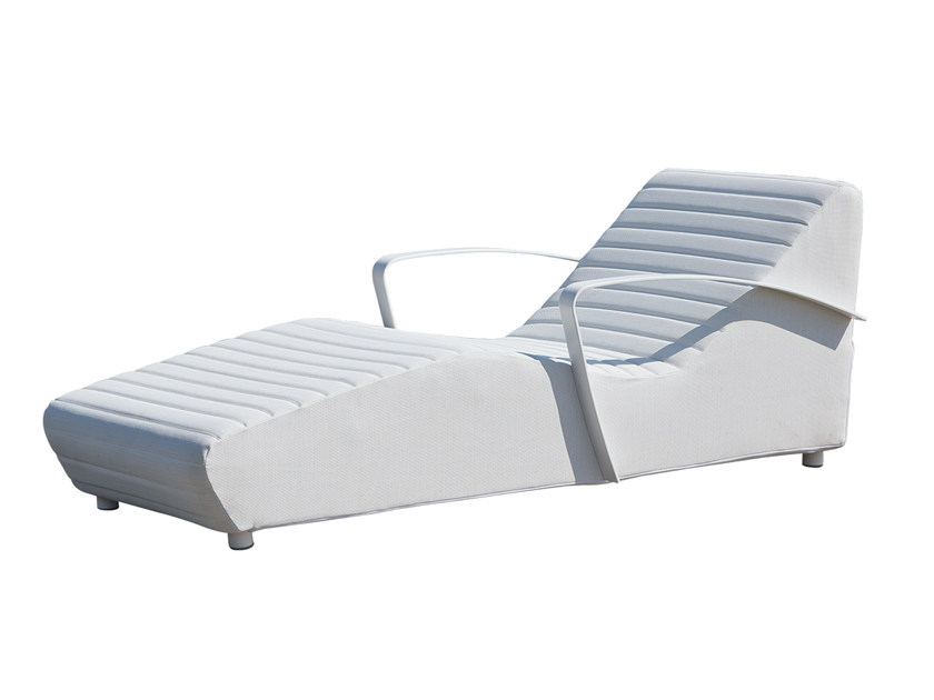 Chaise longue / lettino da giardino in polipropilene AXIS 22989 by SKYLINE design
