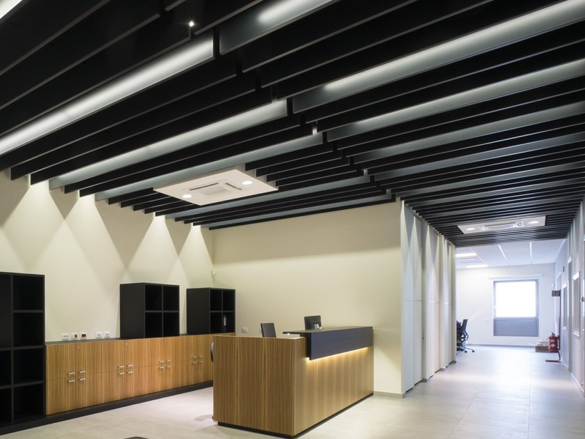Metal acoustic baffles BAFFLES METAL V-P 500 by Armstrong