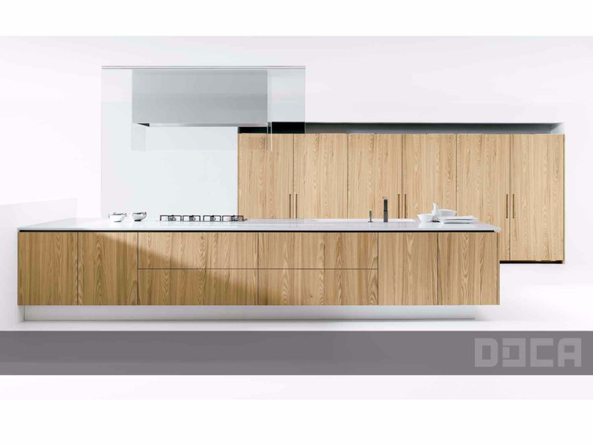 Wooden kitchen with island BARNA TINT XARMER ENT NAT by Doca