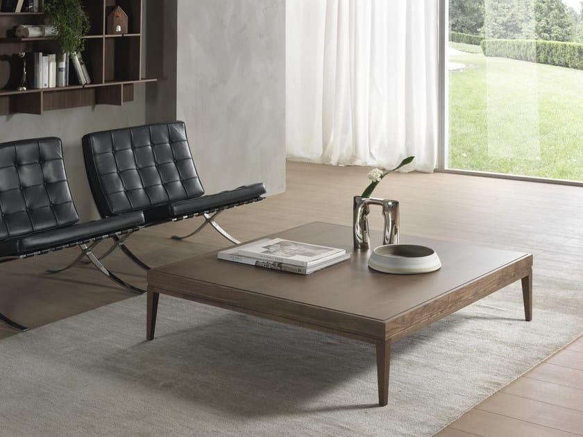 Tavolino basso in legno massello BARNABY | Tavolino quadrato by Pacini & Cappellini