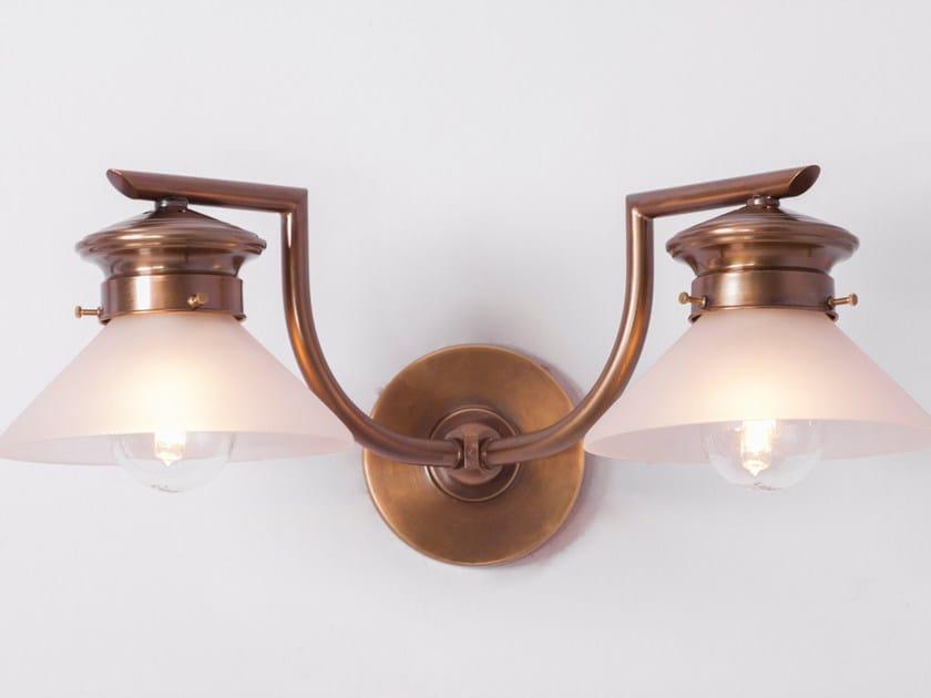 Lampada da parete in ottone BASEL II | Lampada da parete by Patinas Lighting