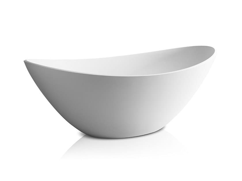 Freestanding oval bathtub RIO   Bathtub by JEE-O