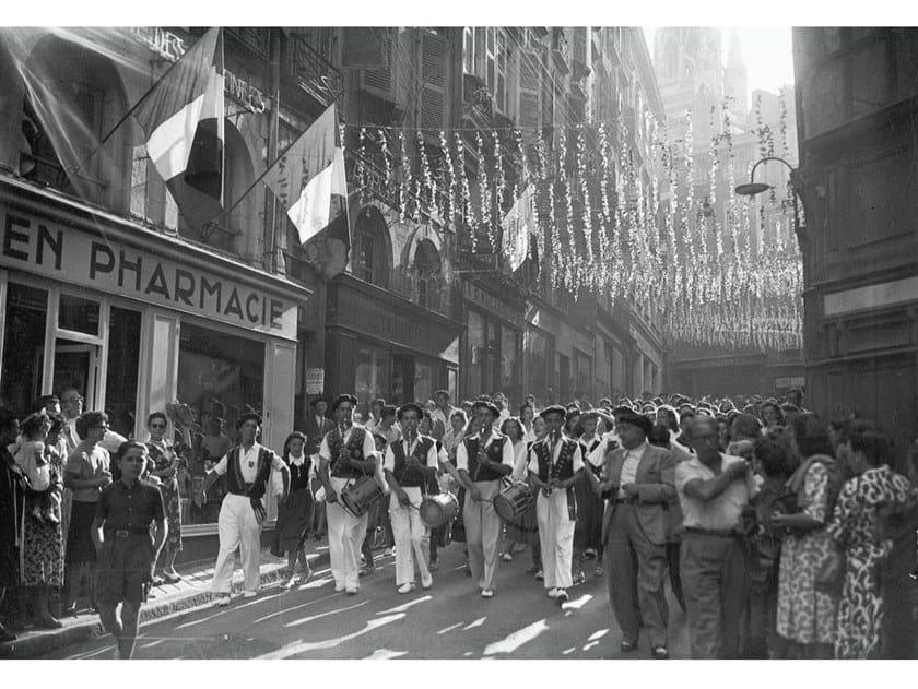 Stampa fotografica FESTIVAL DI BAYONNE NEL 1948 by Artphotolimited