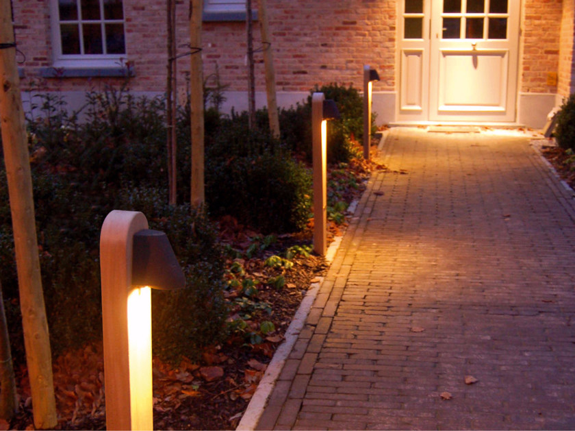 Teak bollard light BEAMY by ROYAL BOTANIA