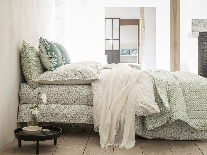 Printed cotton bedding set with floral pattern FEUILLES D'IKAT | Bedding set by Alexandre Turpault