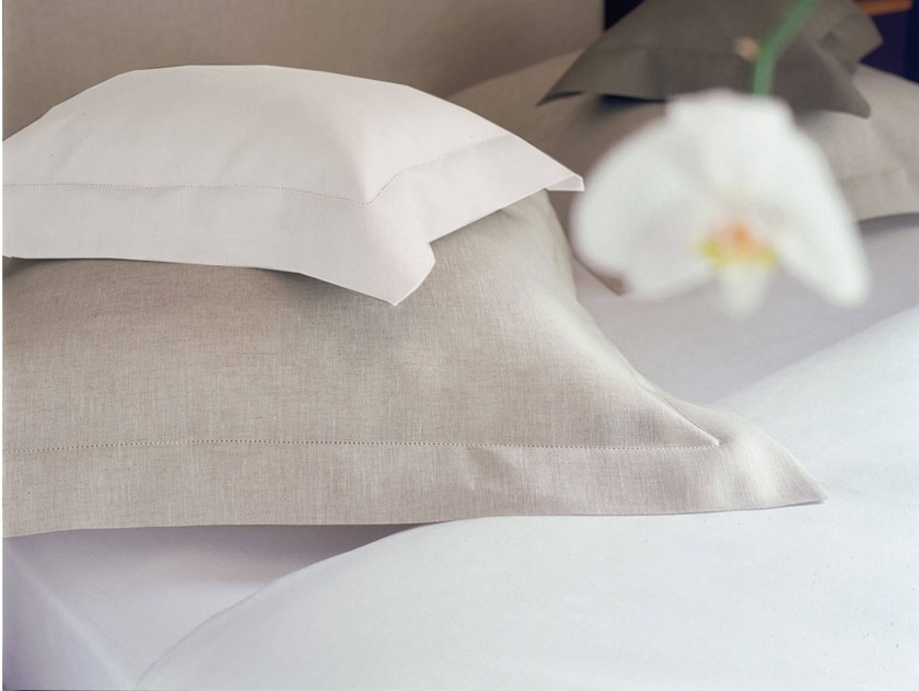 Solid-color linen bedding set CYTHERE | Bedding set by Alexandre Turpault
