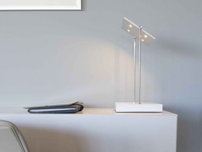 LED adjustable aluminium desk lamp PIXEL | Desk lamp by FERROLIGHT DESIGN