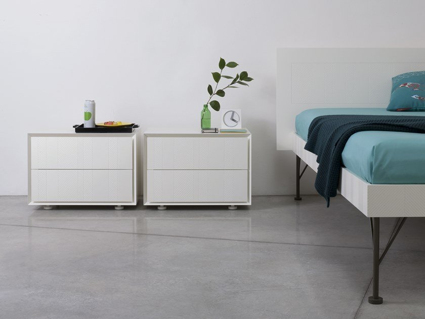 Lacquered bedside table with drawers QUARANTACINQUE | Bedside table by Capo d'Opera