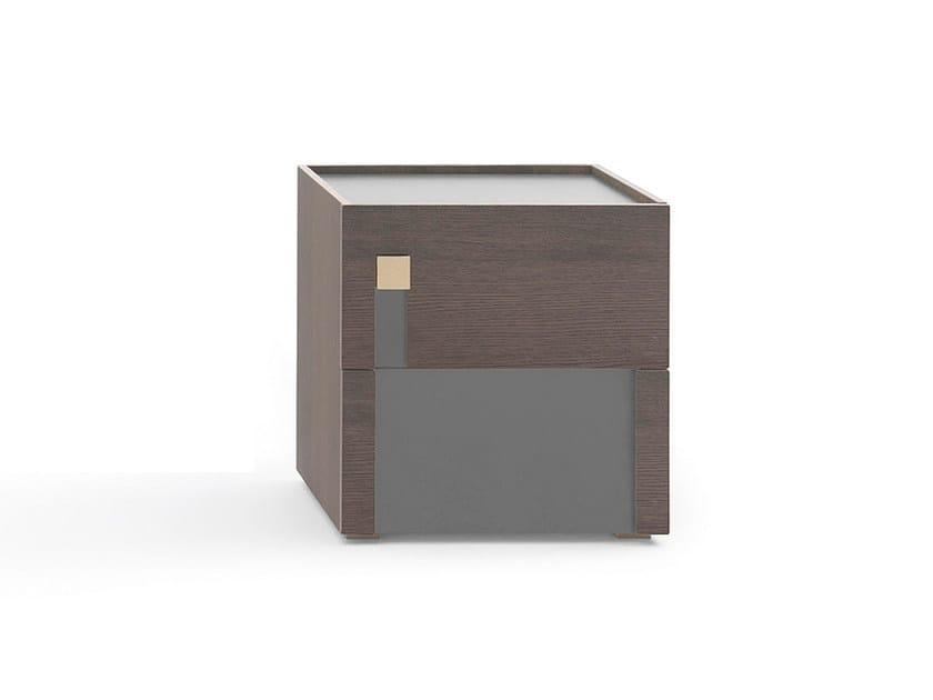 Comodino in legno con cassetti LOGOS | Comodino by PIANCA