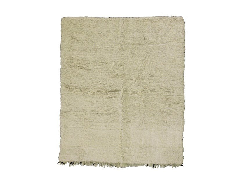 Long pile solid-color wool rug BENI OURAIN TAA912BE by AFOLKI