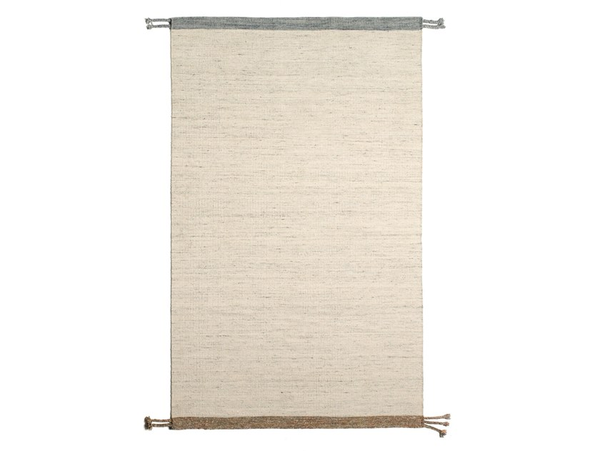 Solid-color handmade rectangular wool and cotton rug BEREBER DR 315 by Kuatro