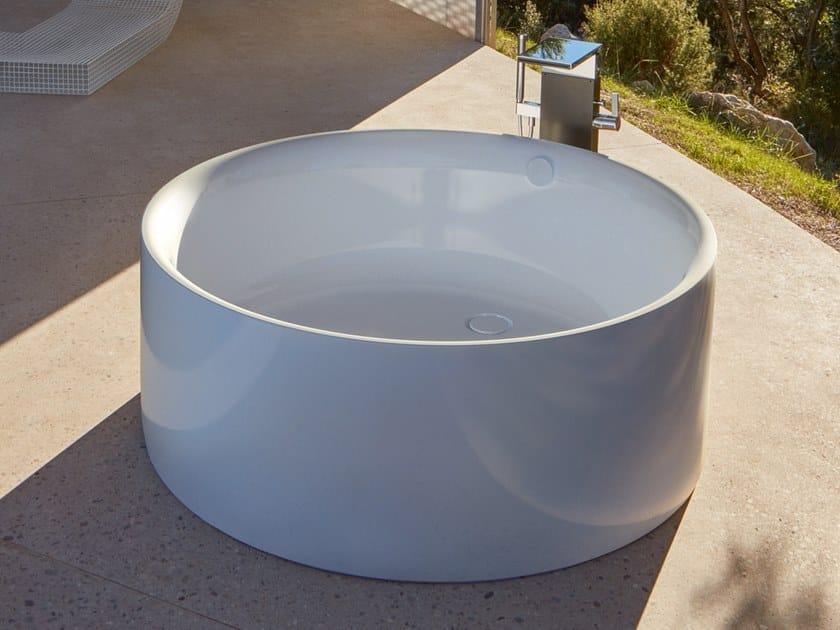 Freestanding round bathtub BETTEPOND SILHOUETTE by Bette