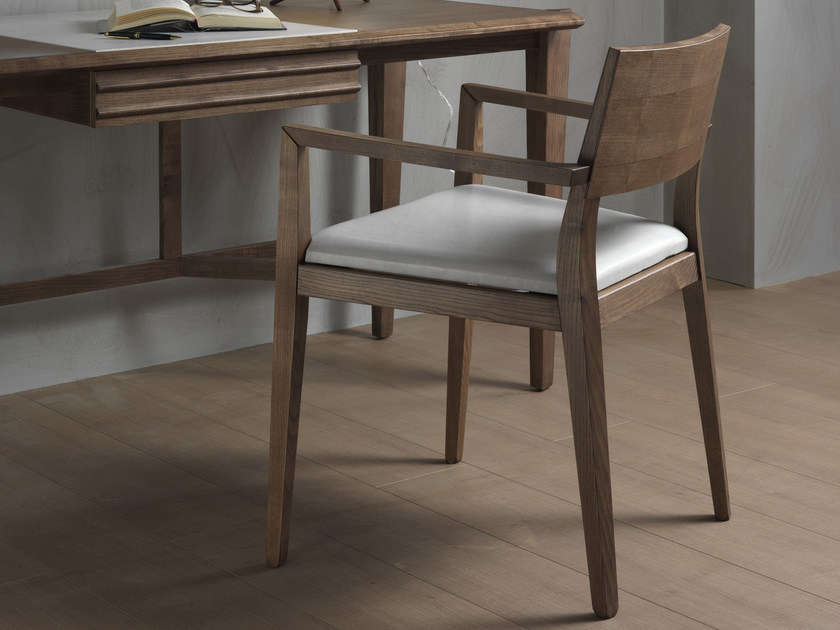 Upholstered solid wood chair BETTY | Chair with armrests by Pacini & Cappellini
