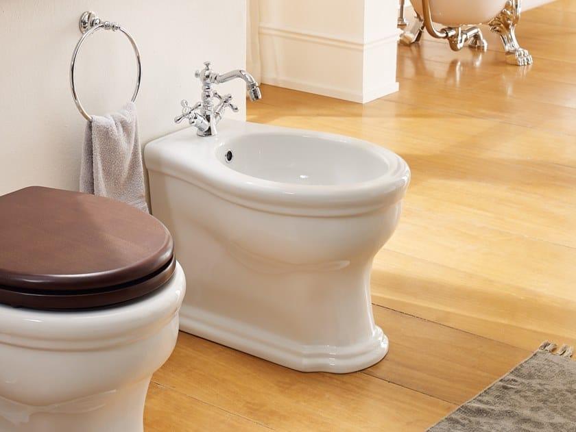 Floor mounted ceramic bidet CASTELLANA | Bidet by Scarabeo Ceramiche
