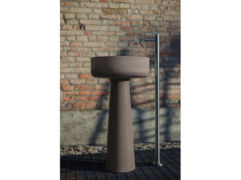Lavabo freestanding in Cementoskin® BJHON 1 OUTDOOR by Agape