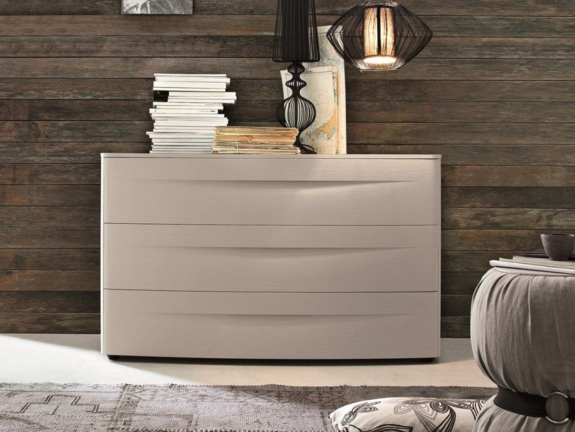 Lacquered chest of drawers with integrated handles BOGART | Lacquered chest of drawers by Gruppo Tomasella