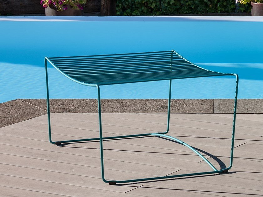 Powder coated steel garden pouf BOLONIA | Garden pouf by iSimar